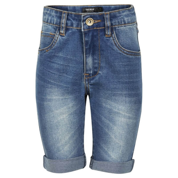 Smarte denim shorts fra The New med let slid